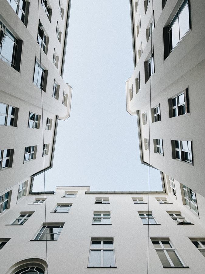 Sprzedaż czy wynajem nieruchomości